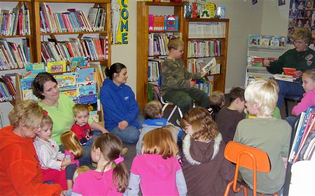 photo of participants in Middleton Community Library Story Hour